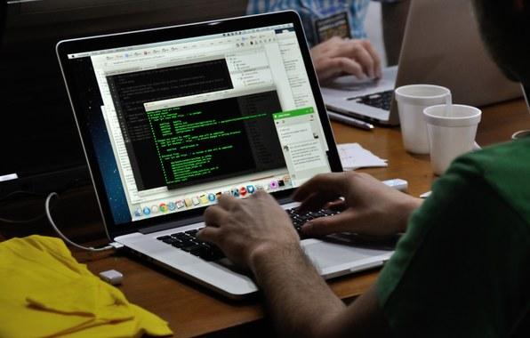 Nom : programmist-kod-code-1156.jpg Affichages : 11896 Taille : 47,0 Ko