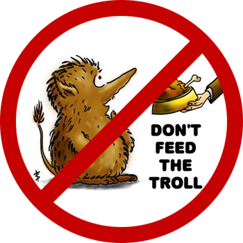 Nom : don__t_feed_the_troll___by_blag001-d5r7e47.png Affichages : 2550 Taille : 96,0 Ko