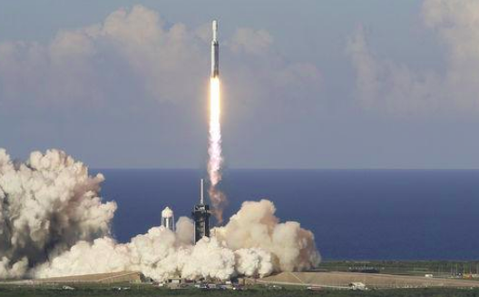 Mission réussie : Space X a lancé 60 mini-satellites Starlink